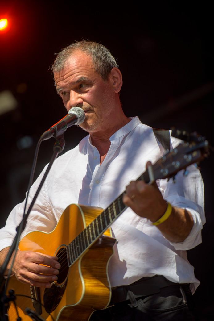 Muzikant Ernst Jansz op het festival.
