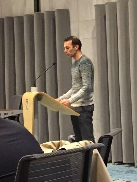 Frank Hoeberichts spreekt de provincie toe.