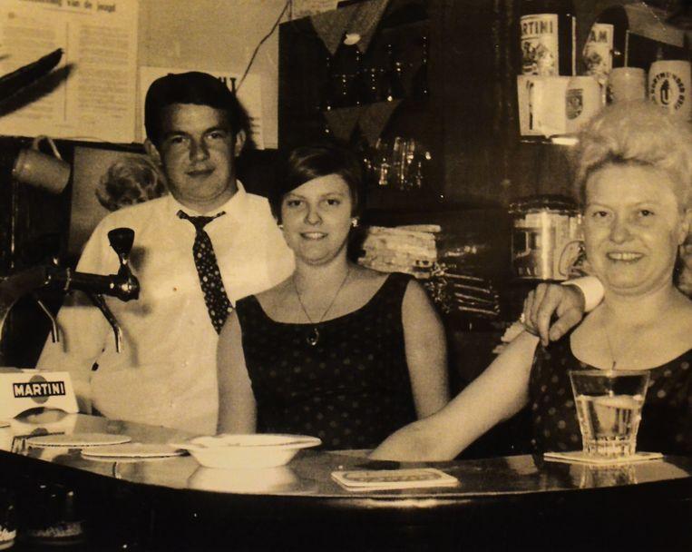De ouders van Sabine en haar grootmoeder Jeanneken, allemaal café-uitbaters.