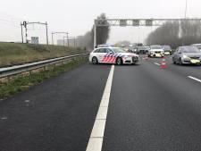 Stomdronken bestuurster uit Rijsbergen slingert over A16, politie is verbijsterd: 'Dit hebben we nog nooit meegemaakt'
