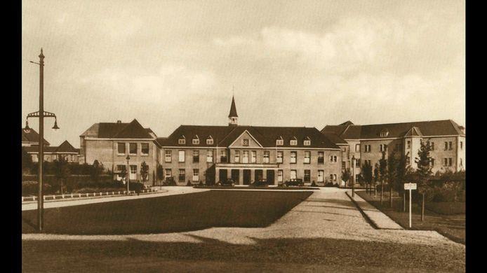 Sint Canisiusziekenhuis op hoek Groenestraat-Sint Annastraat, 1935.