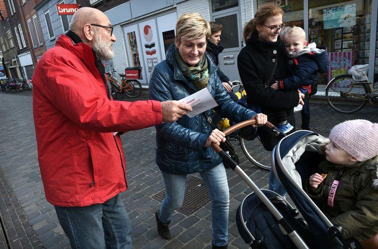 Heijmans op campagne. Beeld Marcel van den Bergh / de Volkskrant