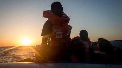 Tien migranten, onder wie vier kinderen, gered op Middellandse Zee