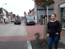 Handtekeningen Dorpsstraat St. Willebrord woensdag naar wethouder