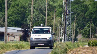 Fietser (42) gewond na botsing tegen tractor
