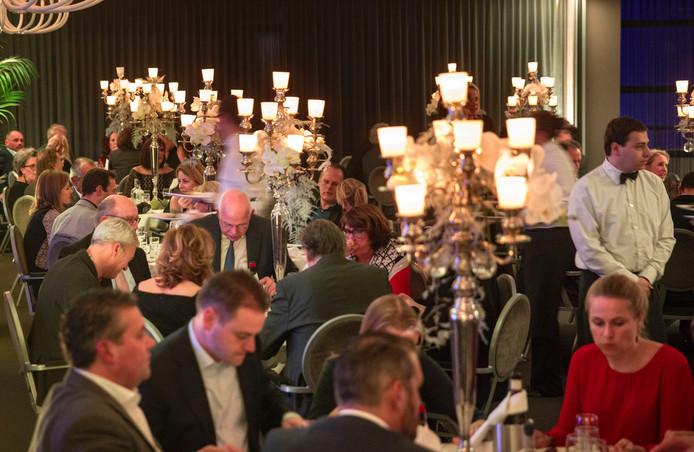 De top van het Eindhovense bedrijfsleven leefde zich uit in het Van der Valk hotel.