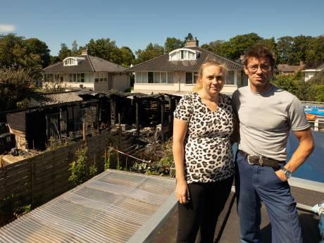 Door Gerries (38) gegil konden haar buren hun twee  honden redden bij schuurbrand in Baarn