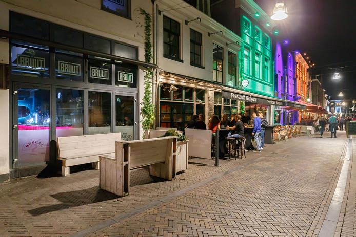 Café Bruut in de Zwolse Voorstraat.