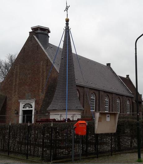 Kerktorentje Babyloniënbroek op transport naar Nieuwkuijk