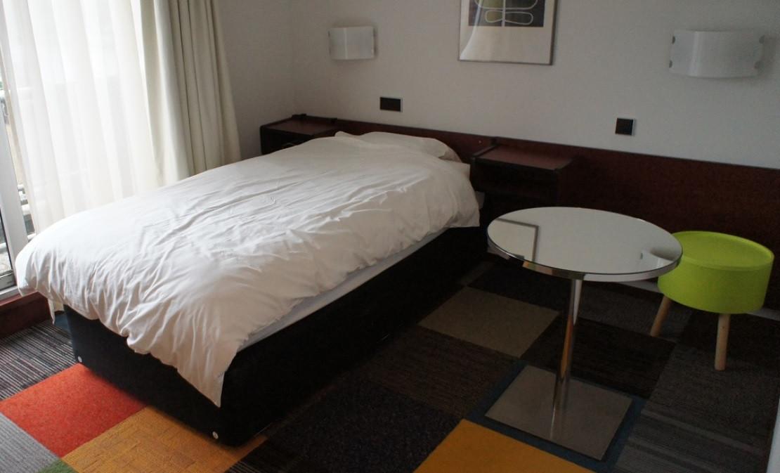 Een kamer in de The Budget Hotel in Hazerswoude-Rijndijk.