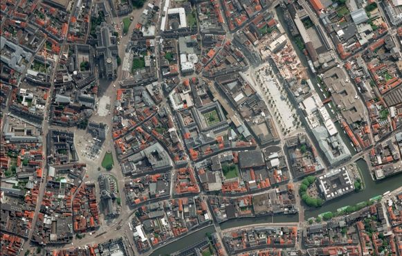 Deze satellietfoto van de stad Gent  blijkt bijzonder populair