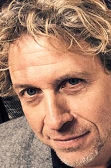 Zanger De Juf wordt derde wethouder ONS Nissewaard
