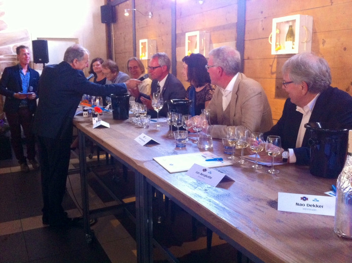 Wim Spelt, directeur product management, bevraagt commissaris van de koning Han Polman.