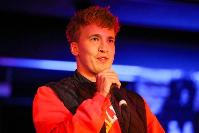 Rapper Snelle tijdens een optreden in Geseldonk, Helmond.