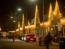 Lichtjeszee in het Rode Dorp, bewoners beginnen dit coronajaar eerder met ophangen sfeerverlichting