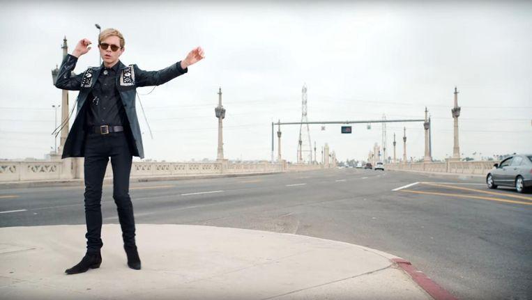 Still uit clip Wow van Becks nieuwe album Colors. Beeld RV
