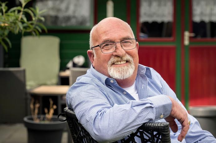 Piet Matheeuwsen heeft er voor gezorgd dat Breda in tien jaar op heel veel plaatsen AED's heeft hangen