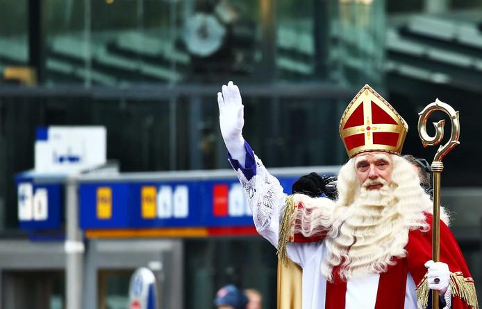 De aankomst van Sinterklaas in Apeldoorn.