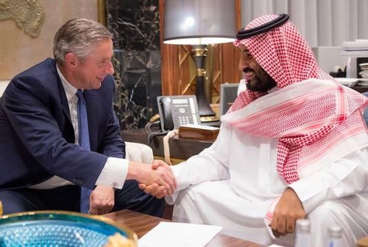 De Saudische kroonprins Mohammed bin Salman en Klaus Kleinfeld, de CEO van de nieuw te bouwen stad.