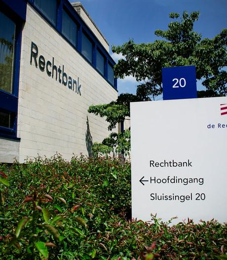Drie Tilburgers krijgen werkstraf voor afranseling op de Heuvel in Tilburg