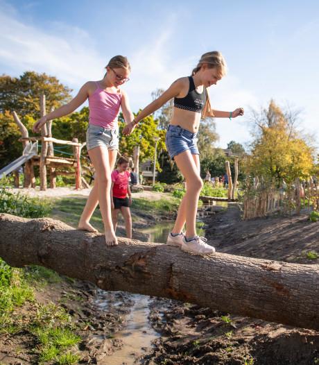 In bikini en zwembroek in Doepark Almelo op warmste oktoberdag ooit