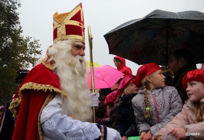Sinterklaas arriveert in Son