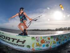 Kitesurfster Annelous Lammerts voor tweede keer wereldkampioene