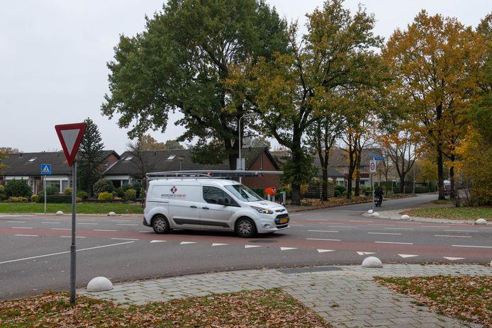 Het kruispunt Wiedenbroeksingel/Wagnerstraat is een van de gevaarlijkste kruispunten in Haaksbergen, blijkt uit ongevallencijfers van het ministerie.
