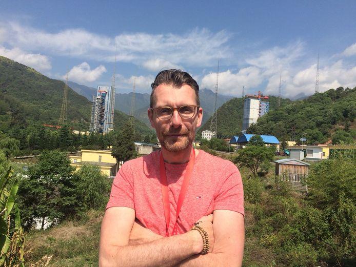 Marc Klein Wolt bij de lanceerbasis Xichang (China) in 2018.