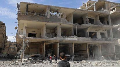 Veertig vrachtwagens met noodhulp voor Oost-Ghouta staan geblokkeerd
