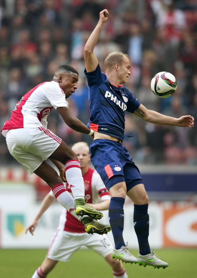 Bazoer en Hendrix vormden in 2012 het centrale verdedigingsduo bij Oranje onder 17 en speelden daarna tegen elkaar bij Ajax en PSV.
