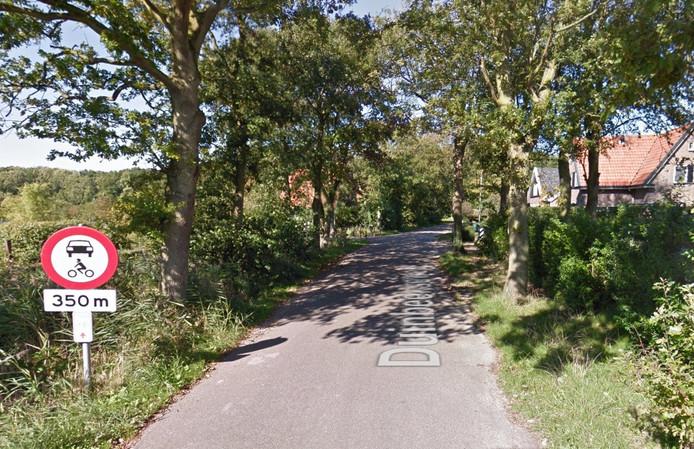 De Duinbeekseweg in Oostkapelle.