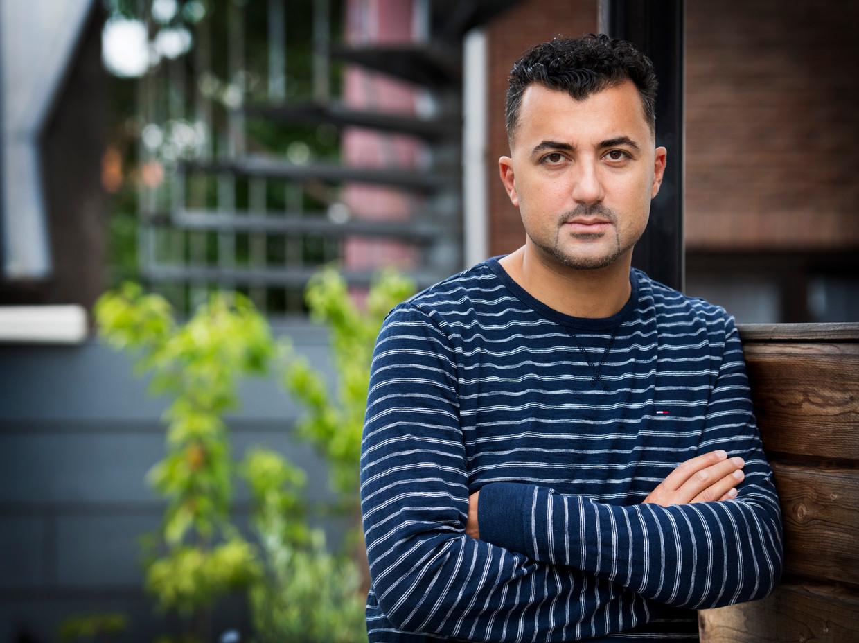 Özcan Akyol. Schrijver en columnist. Hij maakte de televisieserie De neven van Eus over Turkije. Beeld ANP