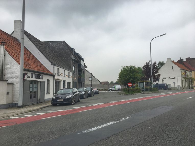 Aan het begin van de Rooiveldstraat wordt een pleintje aangelegd.