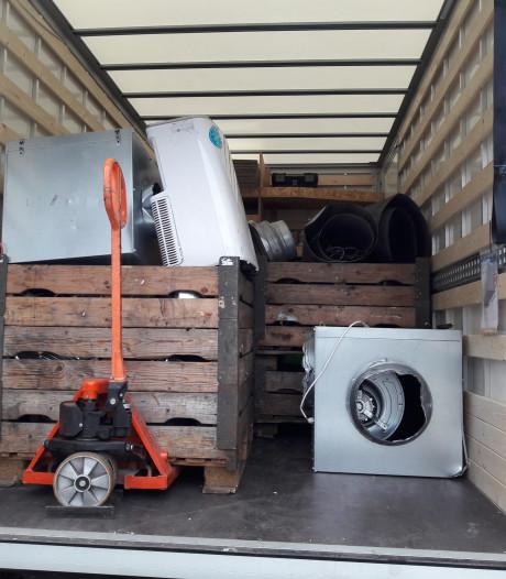 Wietkwekerij ontmanteld in woning de Distel in Millingen