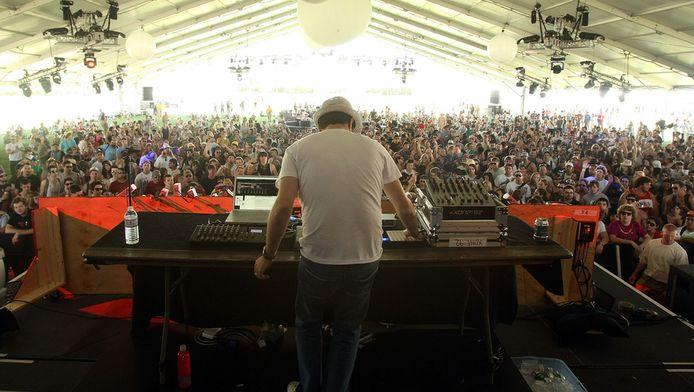 Gui Boratto (live) op het Amerikaanse festival Coachella in 2009.