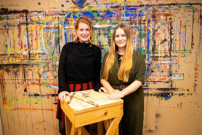 Eveline Kooke (links) en Anne van Rossum.