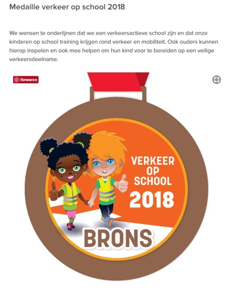 De digitale versie van de bronzen medaille kreeg al een plekje op de website van de Vrije Centrumschool.