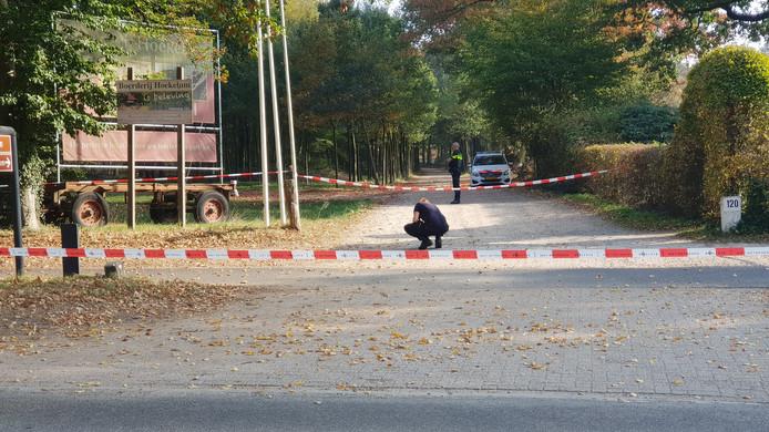 De politie doet onderzoek ter hoogte van Hoekelum.
