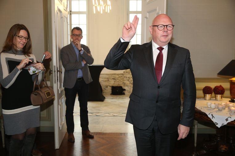 Eedaflegging burgemeester alain Pardaen van Wetteren.