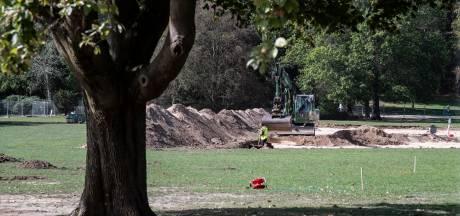 Graven op Goffertwei naar bommen en archeologie