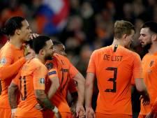 De jas van favoriet past het Nederlands elftal