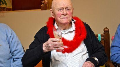 """Gerard Ghesquière viert honderdste verjaardag: """"Graag gezien, heel sociaal en altijd in voor een grapje"""""""