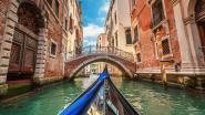 Tsjechische naaktzwemmers in Venetië hebben boete van liefst 3.000 euro aan hun been