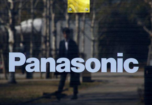 Het logo van Panasonic op een winkel in Tokio.