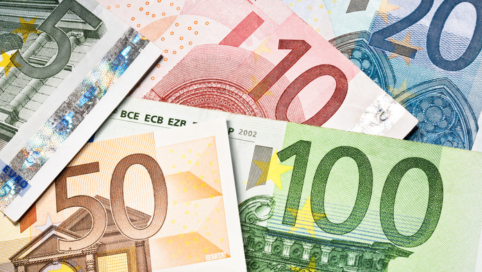 Bewoners van een Haagse verzorgingsflat willen hun geld, vier ton, terug.