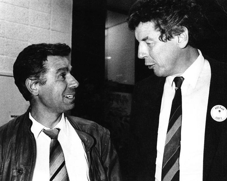 Mahir Engin met toenmalig vakbondsleider Wim Kok. Beeld null