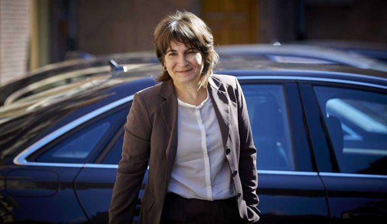 Minister Lilianne Ploumen van Buitenlandse Handel en Ontwikkelingssamenwerking op het Binnenhof. Beeld ANP