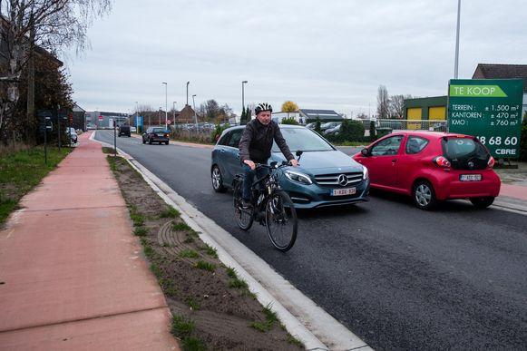 In Willebroek mogen speed pedelecs -net zoals hier in Schelle- voortaan geen gebruik meer maken van de fietspaden in het centrum.