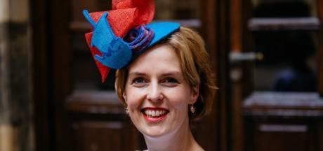Dit is 'm dan: de Prinsjesdagjurk en hoed van Hilde Palland uit Kampen